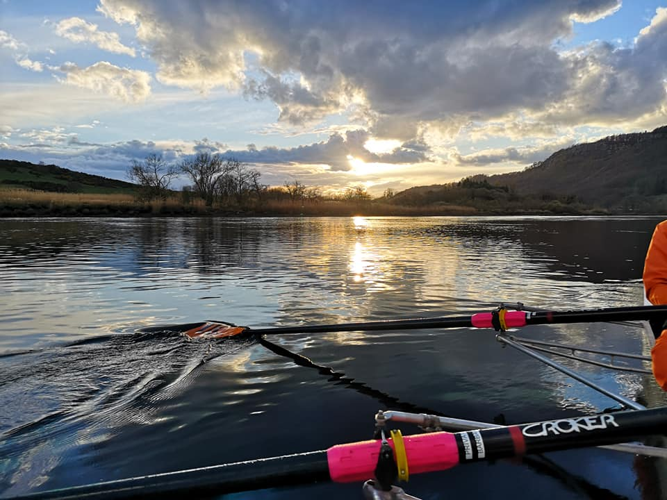 Beautiful start to 2019 evening rowing! – Tay Rowing Club